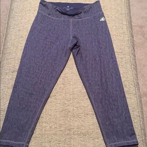 Adidas  climalite mid-rise  cropped leggings